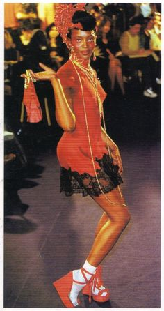1997-1998 - Galliano 4 Dior show - Naomi Campbell