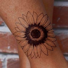Xăm Hình Nghệ Thuật Sun Seeker by inkbox is a Flowers temporary tattoo from inkbox Tattoos For Women Flowers, Foot Tattoos For Women, Small Tattoos, Cool Tattoos, Tribal Tattoos, Tattoos Skull, Life Tattoos, Tatoos, Art Tattoos