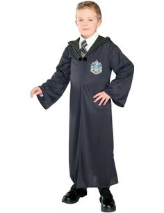 This Child's Slytherin hooded robe Harry Potter costume has a clasp and is black in color.This Slytherin Robe comes in child sizes Small, Medium, Large.This Slytherin Robe is an officially licensed Harry Potter costume. Costume Garçon, Costume Shop, Cosplay Costumes, Boy Costumes, Halloween Costumes For Kids, Baby Halloween, Children Costumes, Trendy Halloween, Movie Costumes