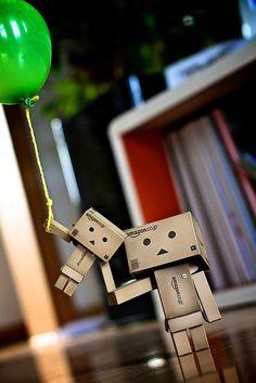 Danbo y Danbito Paper Robot, Cardboard Robot, Danbo, 7 11 Logo, Box Robot, Amazon Box, Robots Characters, Cute Box, Exhibition Booth