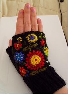 Fingerless gloves *now with pattern* - CROCHET