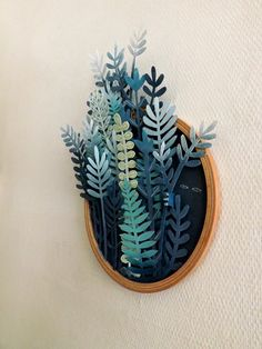In her ongoing series titled Vegetal Gradient, Sonia Poli - a Lille, France-based graphic designer and illustrator - creates fabulous paper cutting forest illustrations. Diy Paper, Paper Crafts, Diy Crafts, Cut Paper Art, Paper Drawing, Paper Cut Outs, Paper Cutting Art, Art Cut, Paper Cut Design