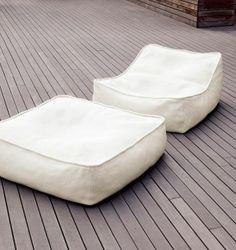 #decoración #diseñodeexteriores #Interiorismo Un sillón, un sofá, chaise longue y puf para la primavera o el verano. Más en: http://greenandfreshdecor.blogspot.com.es/2014/05/un-sillon-un-sofa-chaise-longue-y-puf.html