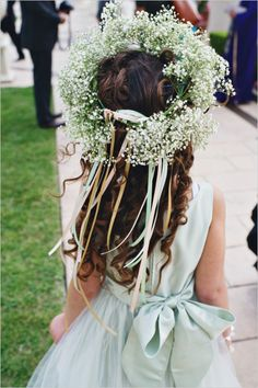 Baby's breath flower crowns with ribbons for flower girls Girls Crown, Flower Girl Crown, Flower Girl Dresses, Flower Girls, Flower Crowns, Floral Crown, Bridesmaid Flowers, Wedding Flowers, Romantic Flowers