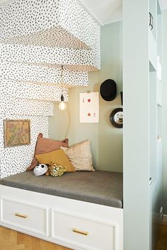 The most appealing under the stairs nook I've ever seen. The polka dots send it over the top. Under Stairs Nook, Salons Cosy, Interior And Exterior, Interior Design, Kids Corner, Home Decor Inspiration, Home And Living, Kids Bedroom, Decoration