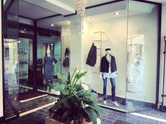 Nuove vetrine   vieni a trovarci nella nostra Boutique a Rimini centro #tinaemaryboutique #rimini #centro #italy #fashion #moda #best #shopping #giorgiograti #aperti #weekend #fashionista #fashionstyle #luxury #luxurylife  #passion #flower #blackandwhite #summer #italy  #l4l #love #likes #likesforlikes #followme #me #shop #best #salvatoreferragamo #trussardi #seventy by tinaemaryboutique