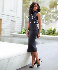 9 to 5 work chic! Kate Spade Polka dot bow top + Zara Pencil skirt with rear slit + Christian Louboutin Patent-leather pumps Mode Outfits, Office Outfits, Fashion Outfits, Skirt Outfits, Business Casual Attire, Professional Outfits, Business Professional, Fashion Mode, Work Fashion