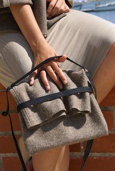 cute bag. i like the fold over top with elastic.