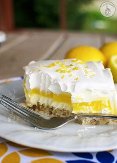 Lemon Lush Dessert - This light and creamy citrus dessert is the perfect treat to enjoy after a delicious summer meal from the grill! Lemon Lush Dessert, Lemon Dessert Recipes, Lemon Recipes, Dessert Food, Crazy Cake Recipes, Crazy Cakes, Dessert Simple, Creme Caramel, Summer Desserts