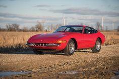 1972 Ferrari 365 GTB/4 'Daytona' wallpaper