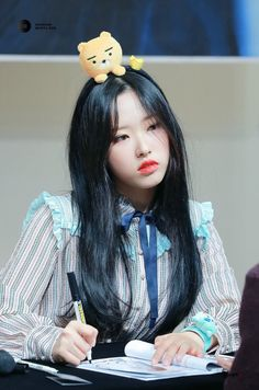 Image about kpop in olivia hye by kurisu ☾ on We Heart It K Pop, Kakao Ryan, Chuu Loona, Oh My Heart, Fandom, Olivia Hye, Cute Girl Photo, Girl Bands, Sooyoung