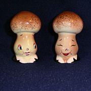 PY Anthropomorphic Salt and Pepper Shakers Mushrooms