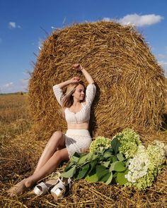 🌟Наконец-то я дописала свой МАСТЕР-КЛАСС по этому чудесному костюму! Кто умеет вязать😘 прошу в Директ за приобретением📄. Кто не умеет… Crochet Hooks, Summer, Vogue, Women, Fashion, Crochet, Moda, Summer Time, Fashion Styles