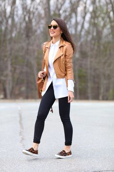 This post contains the best office outfits. These outfits are magnificent. Winter Office Outfit, Office Outfits, Casual Outfits, Fashion Outfits, Womens Fashion, Fashion Ideas, Fashion 101, 80s Fashion, Petite Fashion