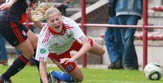 Frauen stehen schneller wieder auf - Fußball - Wenn Frauen Fußball spielen, sind die einzelnen Unterbrechungen wie etwa Auswechslungen und Torjubel deutlich kürzer als bei Männern.