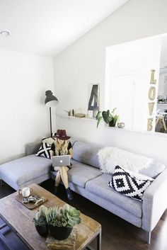 The eclectic family home of Amber Thrane in sunny California. Dulcet Creative.
