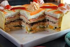 : a sandwich-place for your birthday . Crackers Appetizers, Beef Appetizers, Fancy Appetizers, Easy Appetizer Recipes, Sandwiches, Swedish Bread, Sandwich Torte, Sandwich Places, Meat Cake