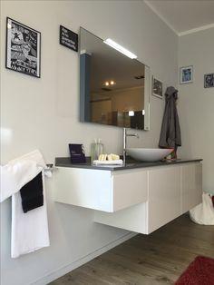 bagno #scavolini modello #rivo : anta laccata lucida colore bianco, Hause ideen
