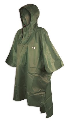 Rain poncho Tatonka Poncho 2 in size M-L with integrated hood with drawstring and storm protection. Protects reliably against wind and weather.