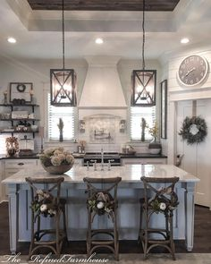 Creative Fall Kitchen Design Ideas For Home Decor Country Farmhouse Decor, Farmhouse Style Kitchen, Modern Farmhouse Kitchens, Home Decor Kitchen, Rustic Kitchen, Home Kitchens, Kitchen Ideas, Country Kitchen Designs, Farmhouse Ideas