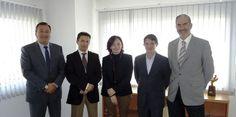 Fundación Cares recibe la colaboración de la Fiesta de la Logística de Barcelona  José A. Jimeno, Paco Núñez, Helena Borbón, César Caballero y Paco Prado participaron en el acto de entrega.