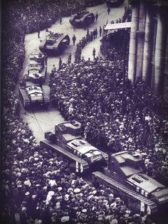 British tanks roll through Dublin