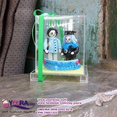 Yoora Clay | Custom made Clay Craft: Hadiah Wisuda, Sepasang