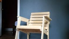Free DIY Furniture Plans // How to Build a Rocking Chair - The Design Confidential Funky Painted Furniture, Decoupage Furniture, Painted Chairs, Diy Furniture Plans, Furniture Projects, Modern Furniture, Furniture Design, Painted Tables, Plywood Furniture
