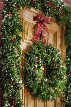 Holly Wreath Garland