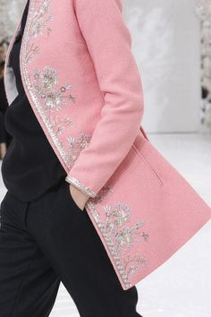 Christian Dior Fall 2014 Couture Fashion Show Details
