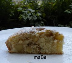 rare apple cake - Tarta de manzanas diferente  http://decoraciondemabel.blogspot.com.es/2013/01/torta-jugosa-de-manzanas-masa-rallada.html