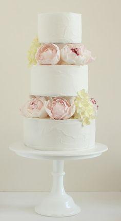 hello naomi: spatula icing, peonies and hydrangeas! My favourite cake girl! Gorgeous Cakes, Pretty Cakes, Cute Cakes, Peony Cake, Milk Glass Cake Stand, Peonies And Hydrangeas, Traditional Cakes, Glass Cakes, Wedding Cakes With Flowers