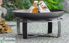 Stunning cast iron fire pit bowls for garden fun. Enjoy beautiful outdoor heat with our best small fire pits in modern round designs for patio or terrace. Cast Iron Fire Pit, Metal Fire Pit, Fire Pit Bowl, Fire Bowls, Fire Pits, Rustic Outdoor, Outdoor Decor, Outdoor Fire, Small Fire Pit