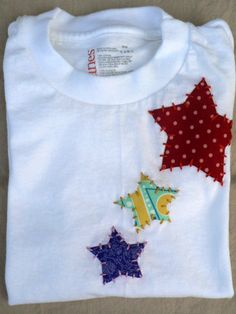 Items similar to Star Applique Onesie or Shirt You Choose Size and Colors on Etsy CUTE boy applique Sewing Appliques, Applique Patterns, Applique Designs, Embroidery Applique, Embroidery Designs, Sewing For Kids, Baby Sewing, Applique Onesie, Diy Couture