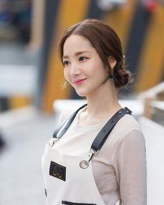 Her privite life Korean Beauty Girls, Korean Girl, Korean Actresses, Korean Actors, Girl Actors, Park Min Young, Divas, Asia Girl, Korean Model