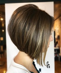 Graduated Bob Hairstyles that Looking Amazing On Everyone In 2020 50 Trendy Inverted Bob Haircuts Short Layered Bob Haircuts, Inverted Bob Hairstyles, Bob Hairstyles For Fine Hair, Short Hair Cuts, Pixie Haircuts, Medium Hairstyles, Braided Hairstyles, Wedding Hairstyles, Medium Stacked Haircuts