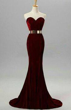 Sweet heart neckline burgundy dress