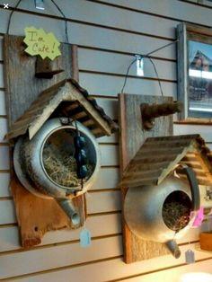 Bird houses diy - Bird houses 36 Spring Garden Ideas To DIY Yard Projects – Bird houses diy Garden Yard Ideas, Garden Crafts, Garden Planters, Garden Tips, Garden Junk, Greenhouse Gardening, Diy Garden Projects, Backyard Ideas, Old Tea Pots