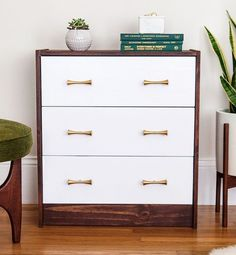Ready to change things up and improve your home decor while on a budget? Then Ikea is totally the way to go. It's quite a popular trend right now and just in case you haven't seen the amazing transformations yet, we've got you covered. Here you'll find brilliant ways to spruce your home while sticking …