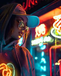 Photography Portrait City Lights 26 Best Ideas This Originality connected with Photography Pictures is Neon Lights Photography, Urban Photography, Night Photography, Creative Photography, Photography Ideas, Photography Gloves, Photography Reflector, Photography Contract, Photography Tricks