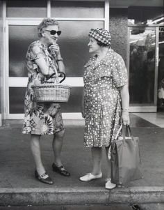 Ans Westra — {Suite} Art Gallery, Wellington, New Zealand John Miller, New Zealand Art, Photos 2016, Kiwiana, Artist Life, Female Photographers, Documentary Photography, Old Women, Documentaries