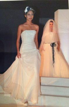 Organze, tulle pizzo ed un tocco di jeans Alessandro Tosetti Www.tosettisposa.it Www.alessandrotosetti.com #wedding #weddingdress #tosetti #tosettisposa #nozze #bride #alessandrotosetti