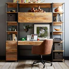 Give Your Rooms Some Spark With These Easy Vintage Industrial Furniture and Design Tips Do you love vintage industrial design and wish that you could turn your home-decorating visions into gorgeous reality? Home Office Furniture Desk, Home Office Setup, Home Office Design, Furniture Plans, Furniture Design, House Design, Furniture Online, Office Chairs, Discount Furniture