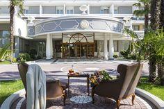 Grand Hotel Trieste & Victoria, hotel 5 stelle lusso ad Abano Terme, dotato di Spa e circondato da parco e piscine termali: prenota sul sito alle migliori tariffe! Trieste, Victoria, Grand Hotel, Spa, Mansions, House Styles, Home Decor, Mansion Houses, Homemade Home Decor