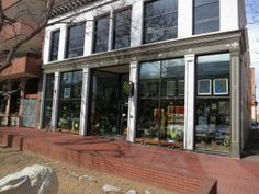 Boulder Arts and crafts gallery, Boulder Real Estate News, anchors one end of the #PearlStreetMall
