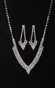 Plus size multi row rhinestone pointed necklace and earrings set $6.20