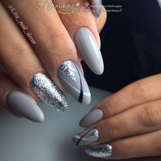 Nail art Christmas - the festive spirit on the nails. Over 70 creative ideas and tutorials - My Nails Nagellack Design, Nagellack Trends, Trendy Nails, Cute Nails, Grey Nail Designs, Gray Nails, Black Silver Nails, Nagel Gel, Nail Decorations
