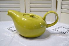 Russel Wright Chartreuse Teapot American Modern by PanchosPorch