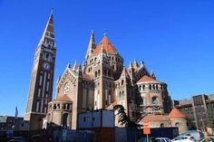 Die Votivkirche von Szegedin (Foto © Norbert Eisner) Cathedral, Building, Travel, Buildings, Cathedrals, Construction, Architectural Engineering
