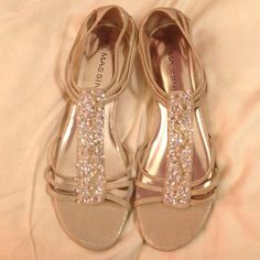 Massini brand sandals Massini brand sandals. Great for dressy outfits or casual dinner outfits. They're a size 9M. Never been worn. Massini Shoes Sandals